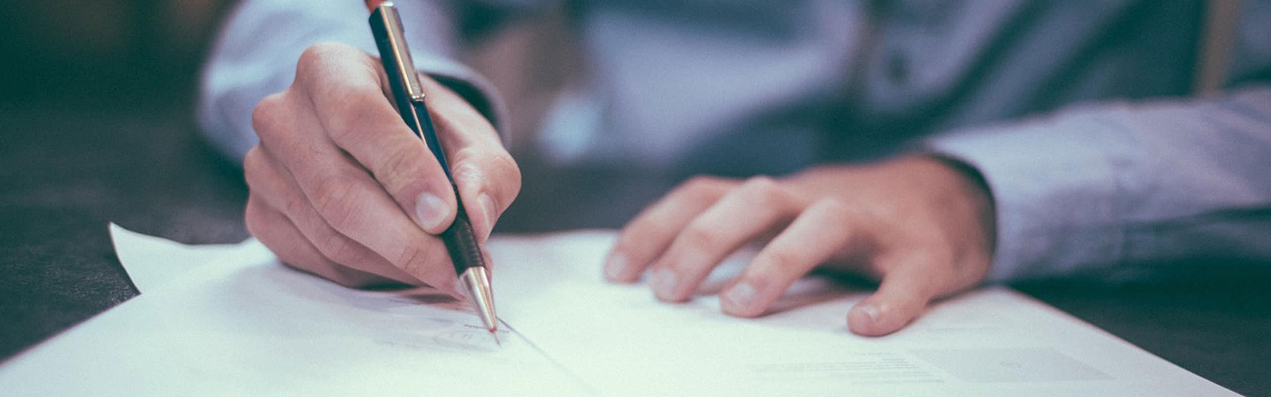 Descubre los distintos tipos de documentos administrativos en un despacho de abogados